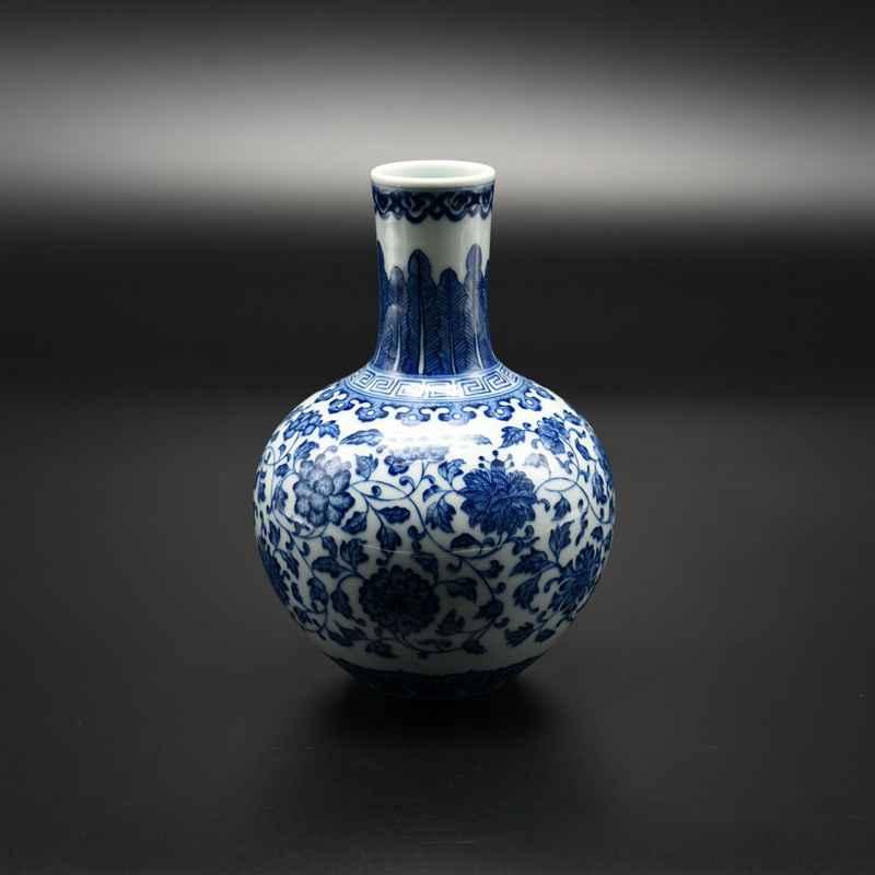 【罗老三作品】30件青花天球瓶