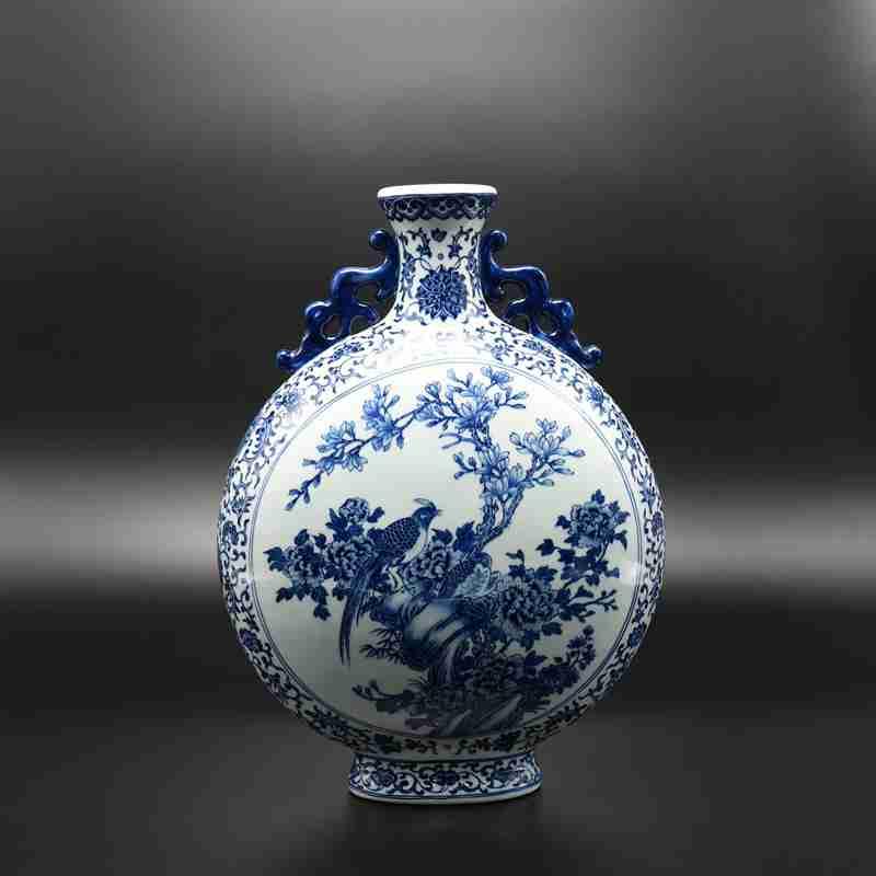 【罗老三作品】150件青花缠枝开光花鸟扁瓶