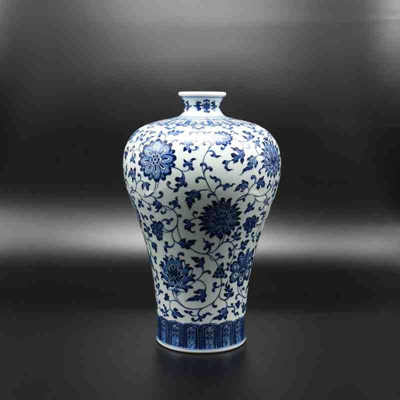 【罗老三作品】150件青花缠枝莲梅瓶