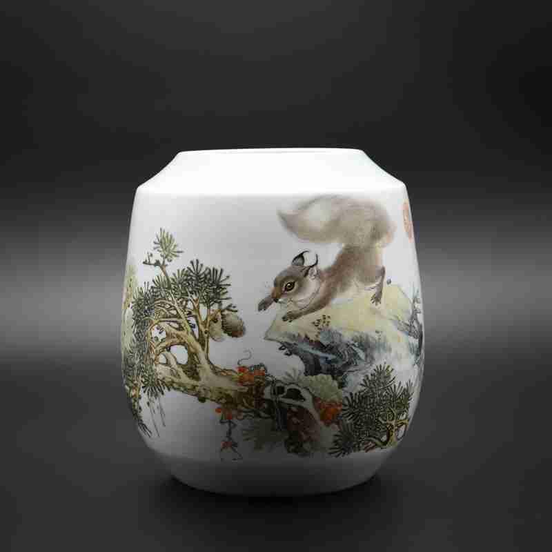 """【涂序生作品】100件粉彩""""松鼠图""""瓷瓶"""
